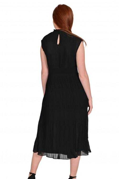 فستان نسائي اسود
