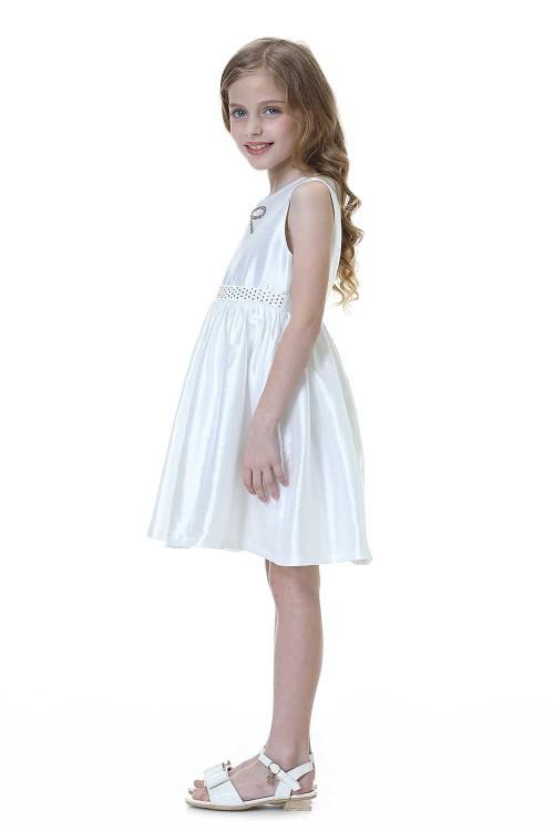 فستان بناتي لون ابيض