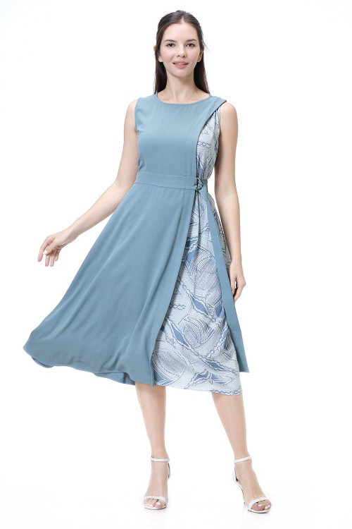 فستان نسائي لون ازرق