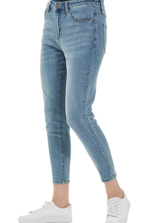 بنطلون جينز نسائي
